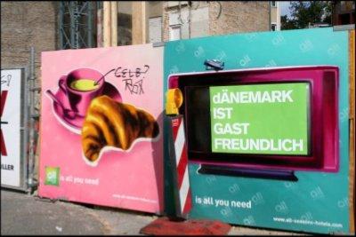 'Danmark er gæstrfrit' lyder budskabet fra New Life Copenhagen. Her i Berlins gader. (Pressefoto)
