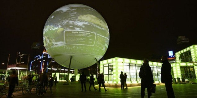 Hopenhagen var de store organisationers måde at iscenesætte kunsten i klimakampen på. Her gik Coca-Cola, Vatenfall og kunsten pludselig hånd i hånd. (Pressefoto)