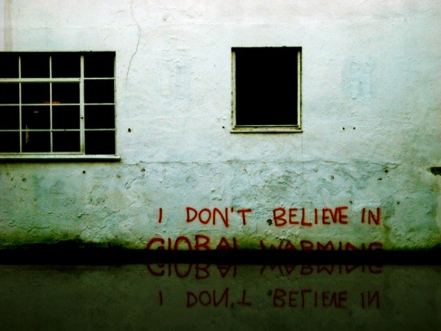 Banksy: I don't believe in global warming (Foto: Simon Crubellier)