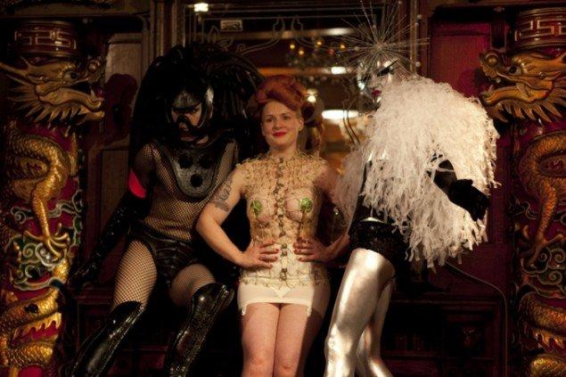De tre modeller i denne omgang af Dr. Sketchy's Anti-Art School. Foto: Nina Zimmermann