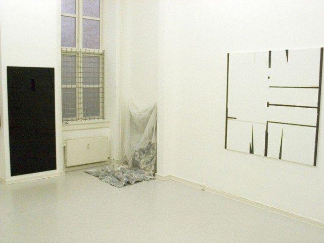 Installationsview med værker af Astrid Svangren og Marie Søndergaard Lolk. (Pressefoto/David Risley Gallery)