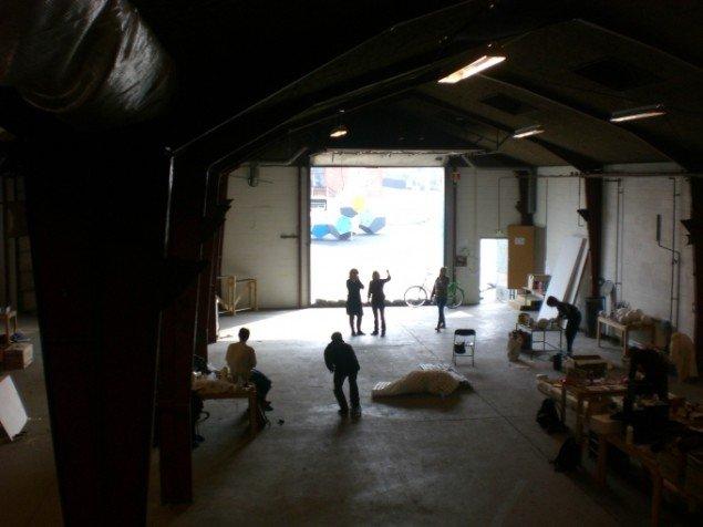 Odense Kunsthal lå i en 540 m2 stor, gammel skibssmedje ved havnen. Pressefoto