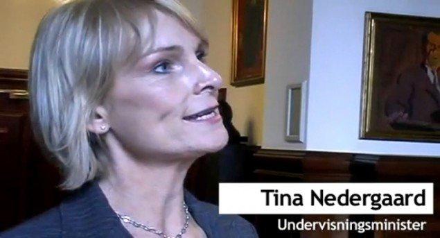 Undervisningsministeren mødte op i 11. time. (foto fra videoreportage)