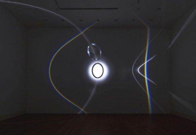 Olafur Eliasson: Round rainbow, 2005 (Foto: Jens Ziehe / neugerriemschneider, Berlin / Tanya Bonakdar Gallery, New York)
