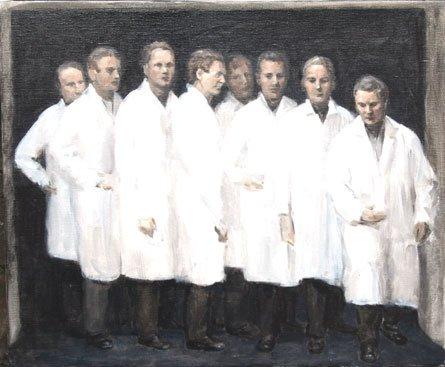 En række af kittelklædte videnskabsmænd iscenesættes i Peter Martensens The Specialists. Foto: Henrik Petit