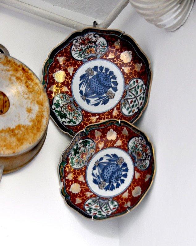 Danh Vo: Japanske, ottekantede Imari tallerkener i 12 dele. General Lyman L. Lemnitzer collection. (Foto: Gurli Sørensen)