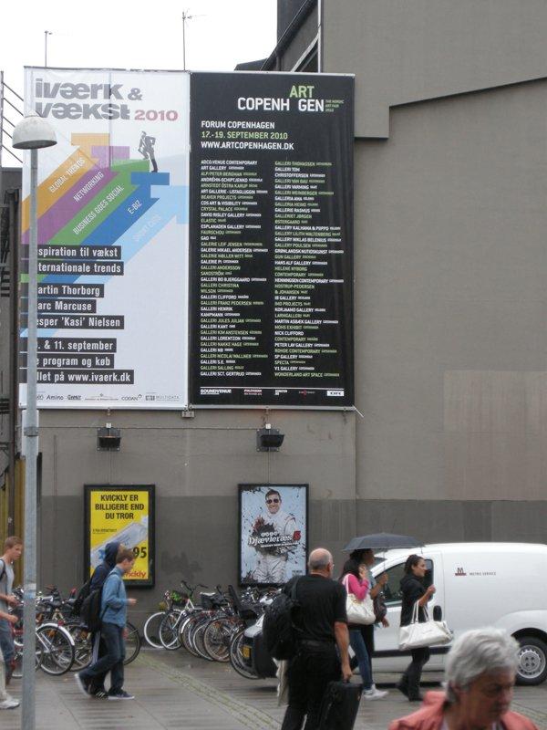 Udenfor Forum Copenhagen (Foto: Philip Tonda)
