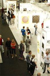 En messe handler om at sælge kunst. Men der er plads til meget mere på Art Copenhagen. (Pressefoto: Claus Starup)