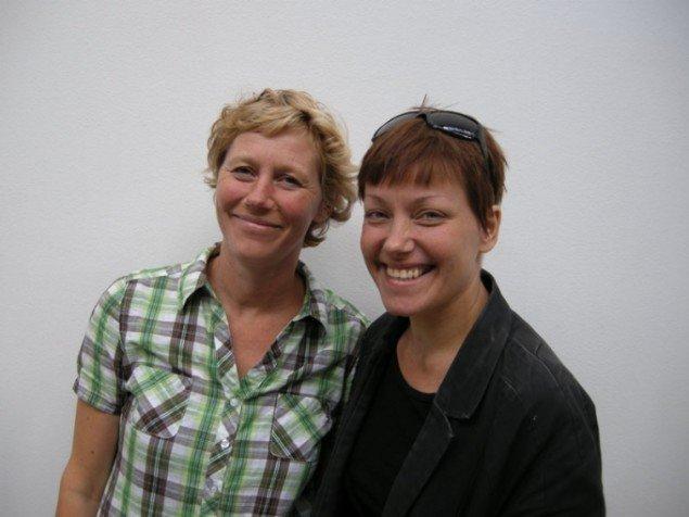 Leder af Fabrikken for Kunst og Design, Camilla Nørgård(tv) og kurator Signe Vad (Foto: Philip Tonda)