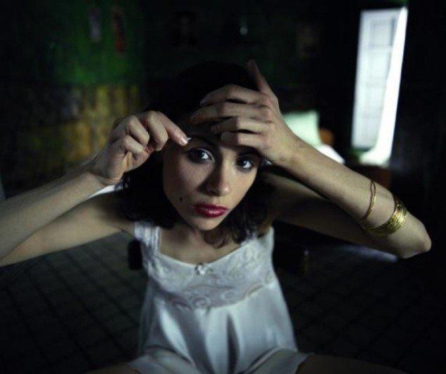 Stills fra Shirin Neshats film Kvinder uden Mænd.
