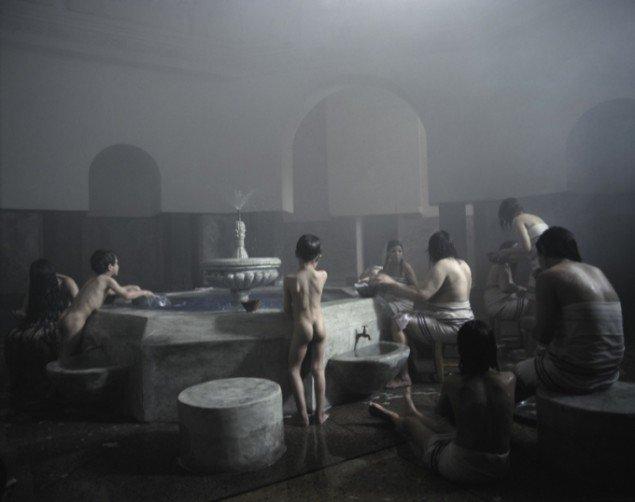 Still fra Shirin Neshats film Kvinder uden Mænd.