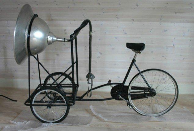 Indkøbene omfatter også mere alternative værkformer som Harmutt Stockers 'Til den natlige duftcyklist'. Foto: Kristian Handberg.