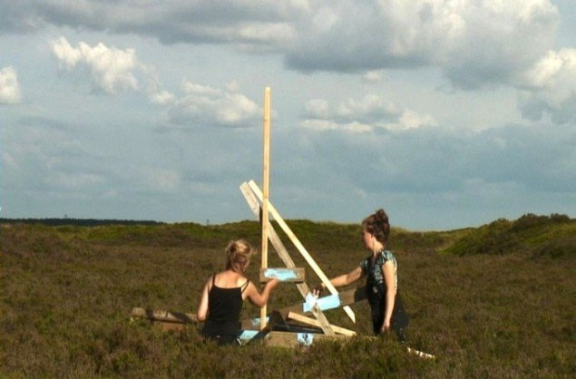 Video still fra Harrild Hede, Kunstpakhuset. Pressefoto: Kunstpakhuset i Ikast.