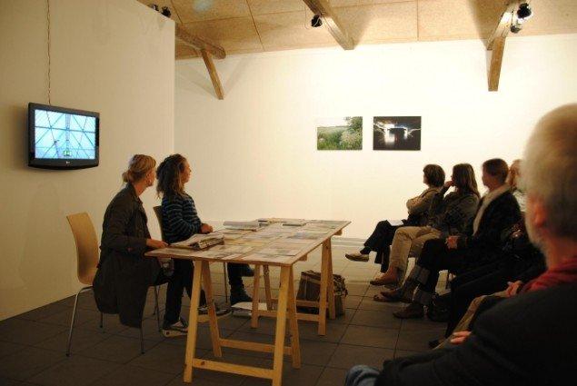 Artist talk med de to kunstnere, Kunstpakhuset. Foto: Bente Jensen