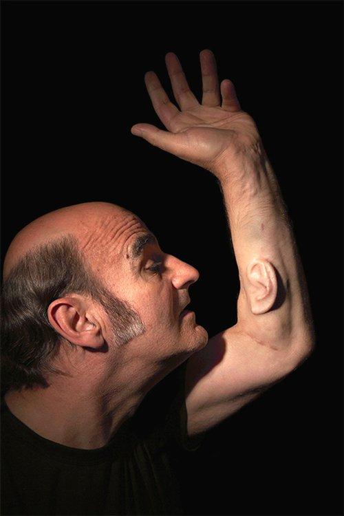Stelarcs grænseoverskridende kropsmanipulationer. Pressefoto.