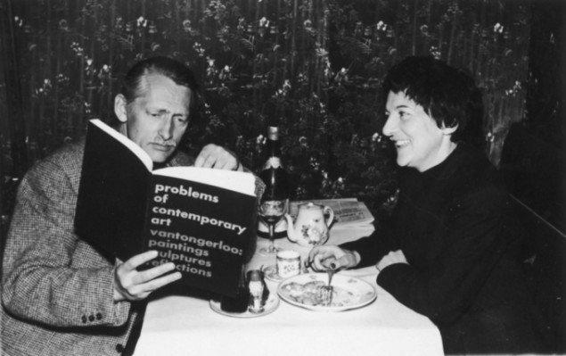 Richard Mortensen og Denise René ved Biennalen i Venedig 1960. Foto: Pressefoto.