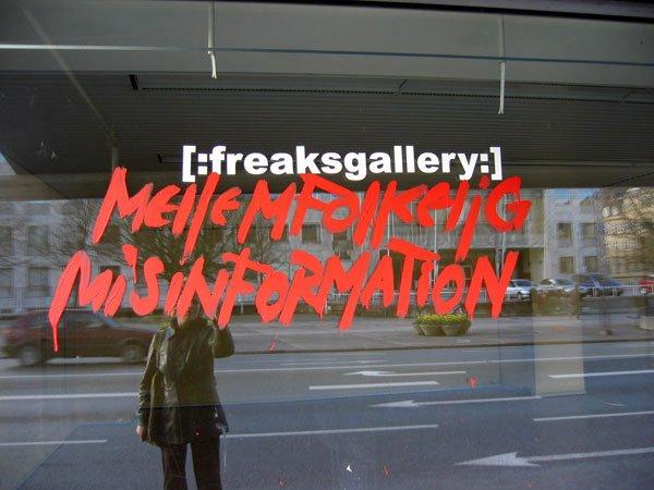 Danske Bank, Rådhuset og [:freaksgallery:] prydede Rådhuspladsen her i Påsken. Foto: Anne Dyhr.