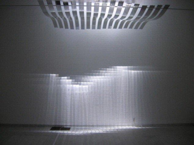 Lysrefleksioner i Reflecting kinematronic 3, Joachim Sauter. Foto: Jeppe Lentz.