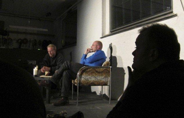 Live anmeldelsen blev fulgt op af en diskussion mellem Sangild, aftenens opponent og publikum. (Foto: Gert von der Pumplei)