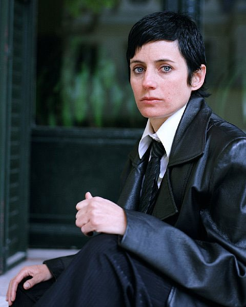 Carmela García, en af de øvrige kunstnere på udstillingen, fra serien: I want to be a young British girl, 2007-08.