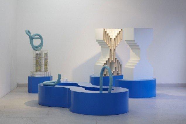 James McLardy har bidraget med en installation, der samtidig indeholder et lille bibliotek. Bought Air, James McLardy, 2010 (udsnit). (Foto: Anders Sune Berg)