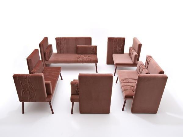 Socialising Sofas. Design: Ditte Hammerstrøm. Udført af Erik Jørgensen. Foto: Jeppe Gudmundsen-Holmgreen.