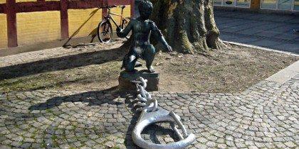 Gadekunst i limbo