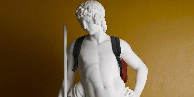 Elmgreen & Dragset klæder Thorvaldsens skulpturer på