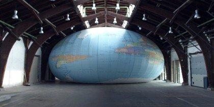 Globus i stort format