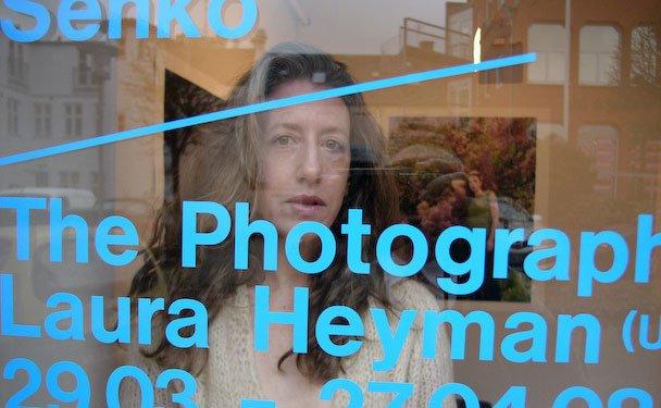 Den kvindelige fotograf i centrum