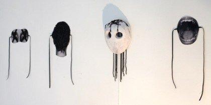 Keramikere modtager præmie for udstilling