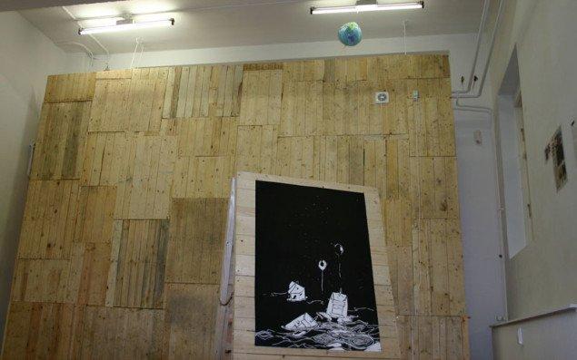 Gadekunst møder galleriets rammer