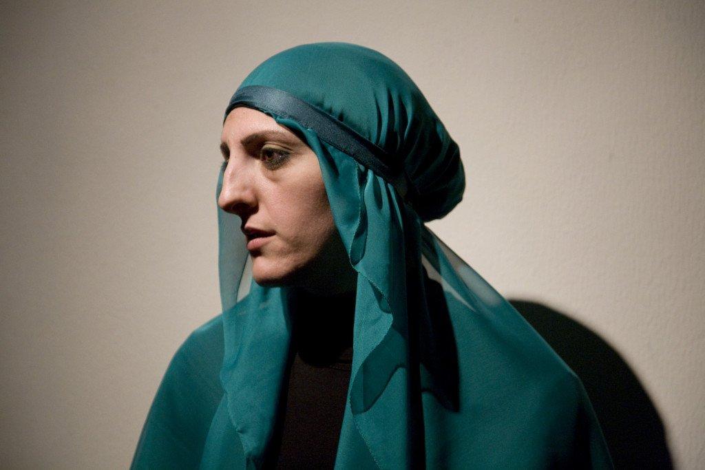 Scheherazade's Diary udfordrer eksisterende kvindeopfattelser i Mellemøsten. Foto Dalia Khamissy og Catharsis-LCDT