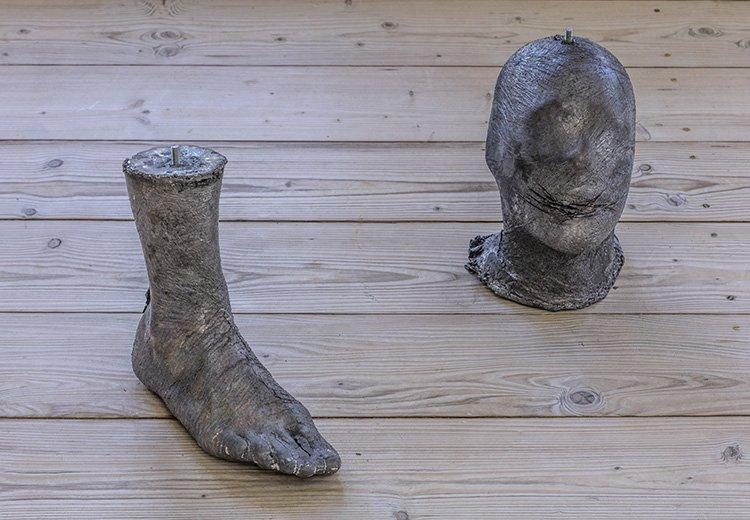 BEGOT (06042015,07042015), 2015. Skulpturer i bly.