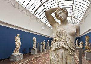 Permanent samling af antik skulptur fra Middelhavslandene samt dansk og fransk kunst fra det 19. århundrede