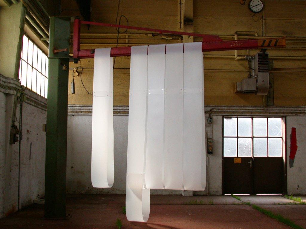 uden titel, 2003, Andre Rum. Polyethylen, jern. Foto: Veo Friis Jespersen