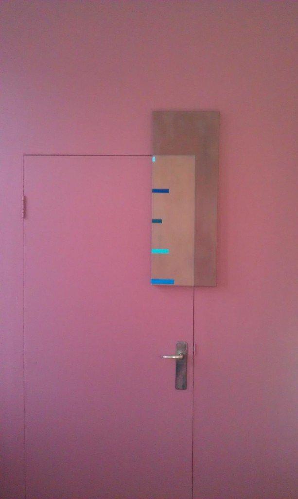 Kulturministerens Brune Kontor (Låst), 2012. 77 x 33 cm, akrylmaling, grafit og lak på lærred. Foto: Kulturministeriet