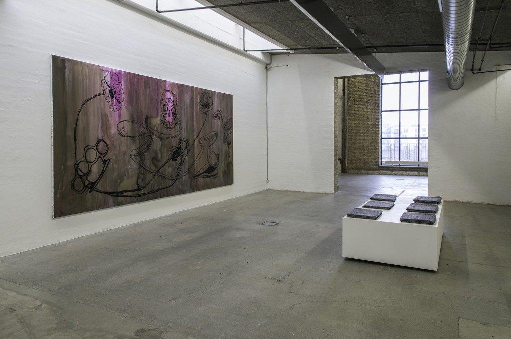 Installationsview med We are the Night, 240 x 540 cm. Olie på lærred, 2014. Foto: Niels Fabæk
