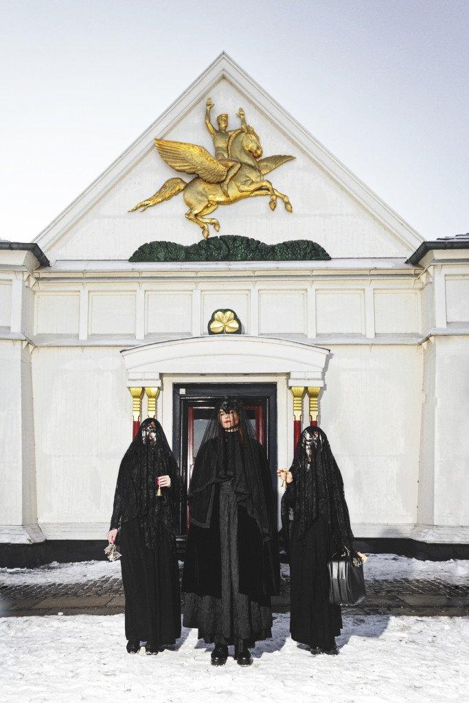 Sisters Hope foran den Frie Udstillingsbygning. Foto: Anders Sune Berg