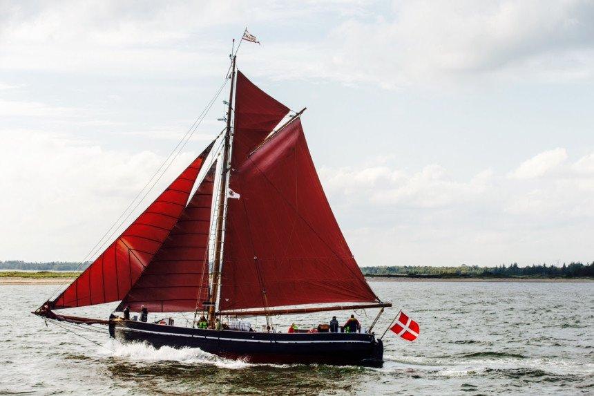 Sejlende kunstfestival i otte danske havnebyer