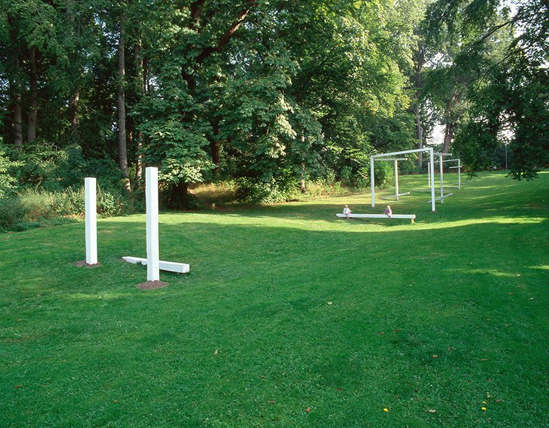 Komposition i en Park / Composition in a Parc, 2003. Installation, Layer 4. Foto: Anders Sune Berg
