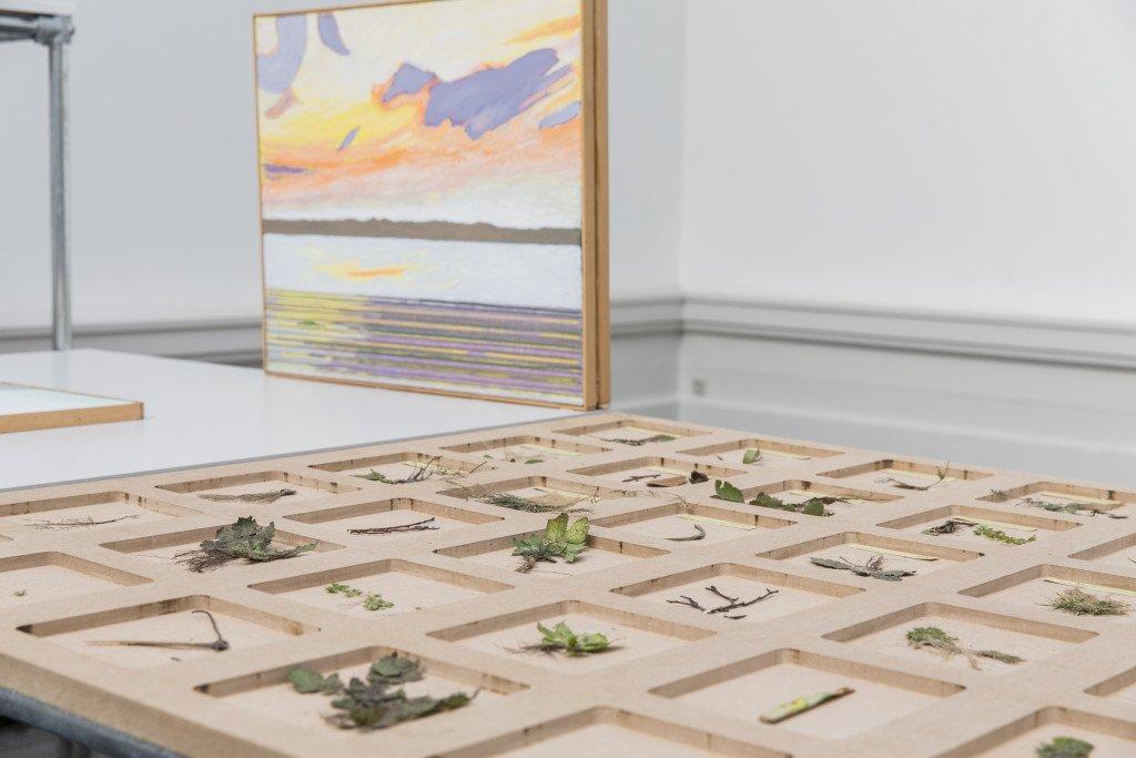 Installationsview fra Forårsudstillingen 2016. Her ses værker af Camilla Berner og Niels Andersen. Foto: Lior Zilberstein