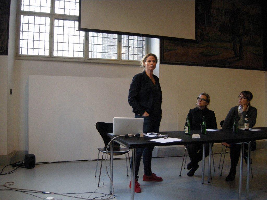 Hilde Østergaard fortæller om Nikolaj Kunsthals udstillingsstrategier på børnefronten. Foto: Matthias Hvass Borello