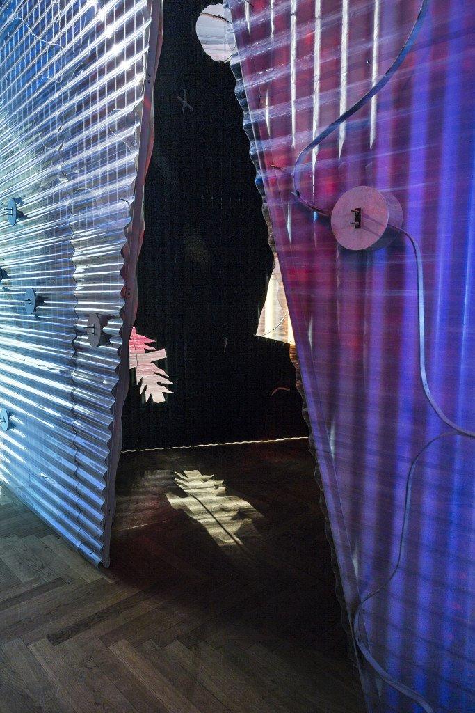 Installationsview af værket Enclosure I + II. Foto: Christoffer Askman