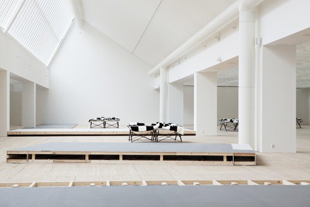 Heimo Zobernig: Installationsview, wood painting, Malmö Konsthall, 2016. Foto: Robin Eriksson