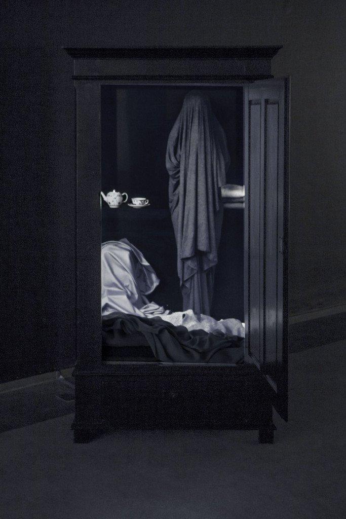 Katja bjørn: Potrætskab med klæde, 2016. Videoinstallation, Mixed media.