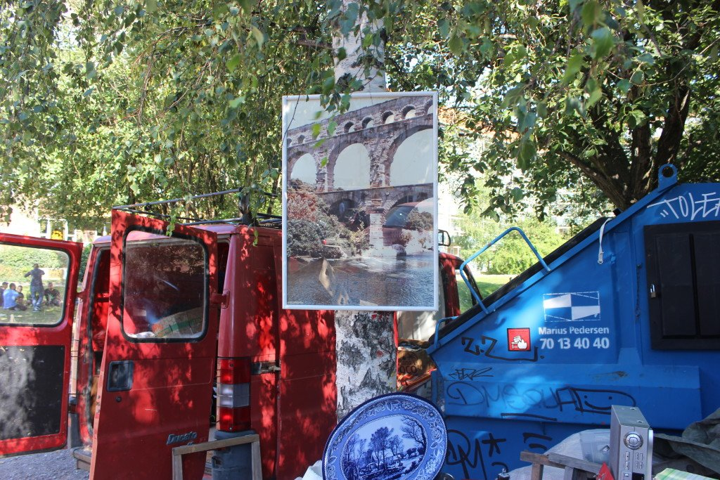Mobile skulpturer ◦ Cirkulær økonomi, 2015. Foto fra fotoprojekt i samarbejde med Signe Rom. Foto: Maj Horn