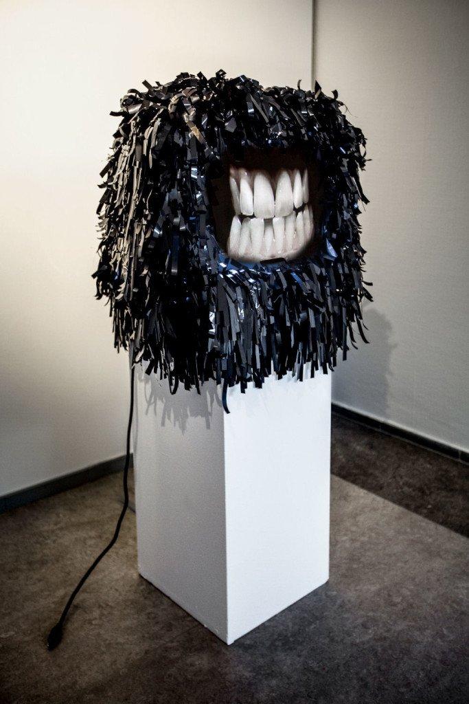 Robyn Tomlin: MUNCH, 2004. Videoskulptur. Foto: Ole Bjørn Petersen