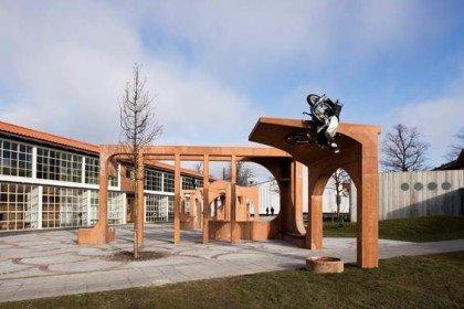 FOS laver skulptur til HF center