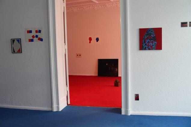 Installationsview fra udstillingen Home 2. La maison Rouge + Bleu, 2016, Berlin. Foto: Joe Dilworth